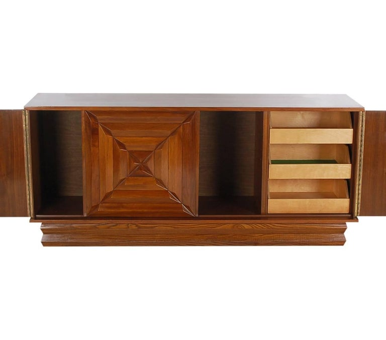 Mid-Century Modern Art Deco Walnut Credenza Cabinet or Dresser after Nakashima In Excellent Condition For Sale In Philadelphia, PA
