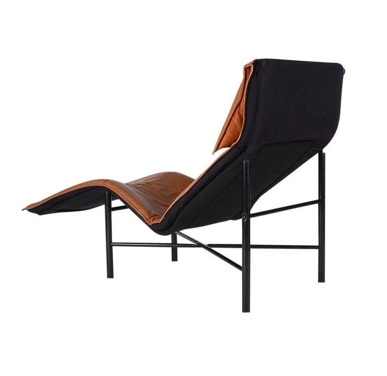 Midcentury danish modern brown leather chaise lounge chair for Brown leather chaise longue