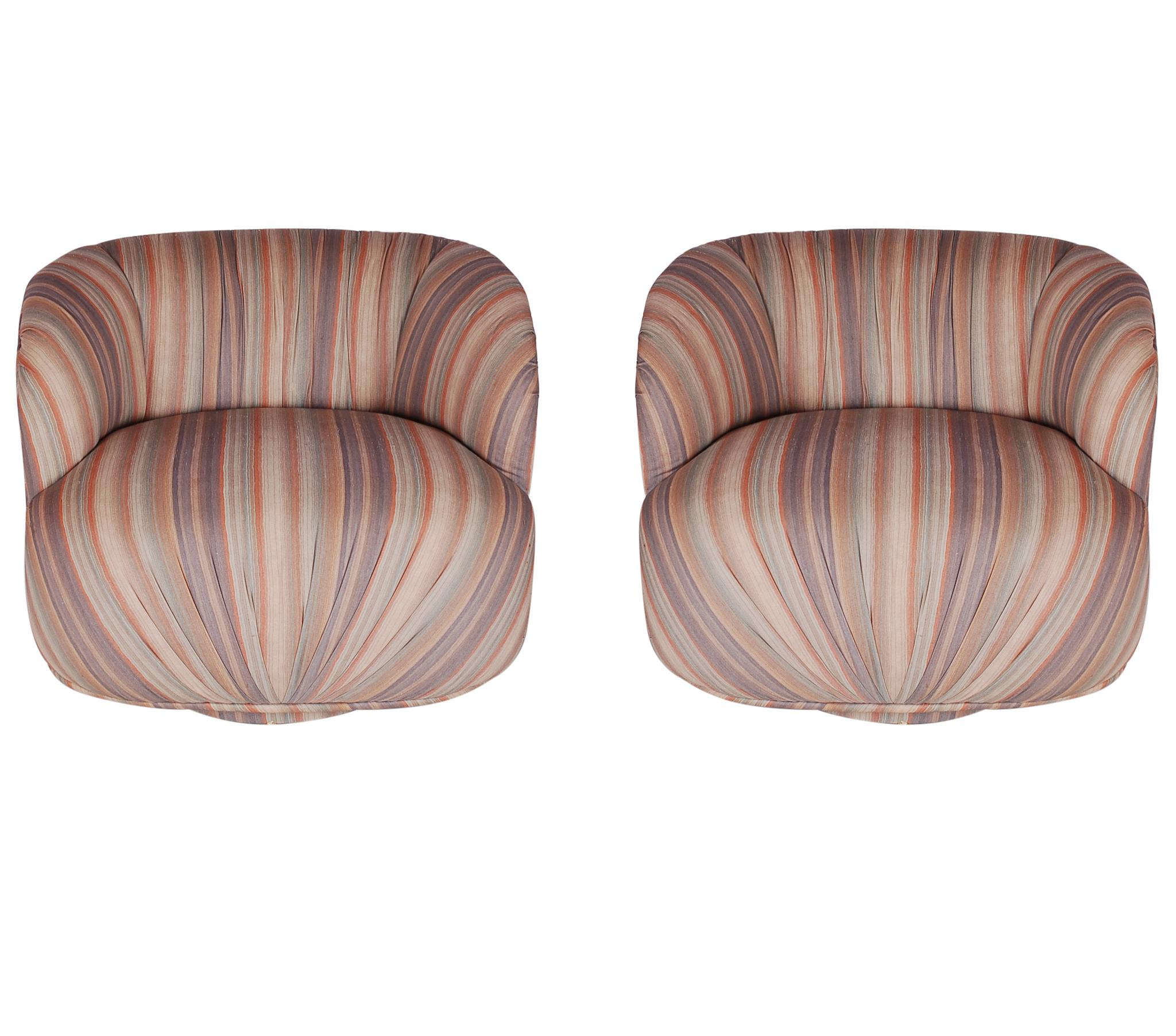 Genial Mid Century Modern Swivel Poof Lounge Chairs In The Manner Of Milo Baughman  For Sale