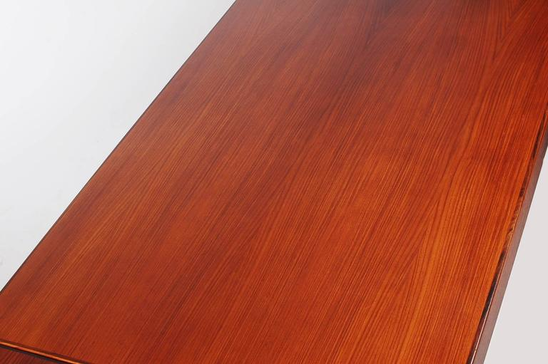 Mid-Century Modern Danish Rosewood Dining Table, Henning Kjaernulf In Excellent Condition For Sale In Philadelphia, PA