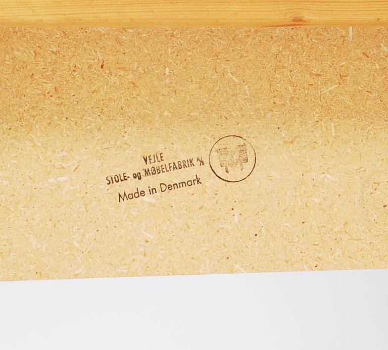 Mid-20th Century Mid-Century Modern Danish Rosewood Dining Table, Henning Kjaernulf For Sale