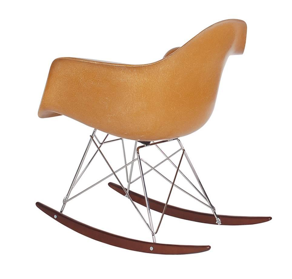 herman miller charles eames fiberglass rocking chair at 1stdibs