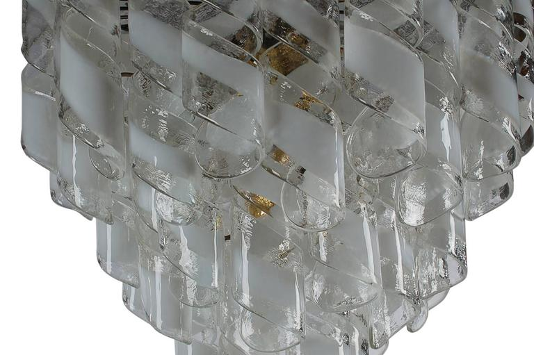 Monumental Mid-Century Italian Modern Mazzega Murano Spiral Glass Chandelier In Excellent Condition For Sale In Philadelphia, PA