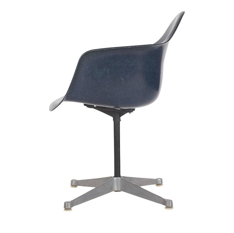 Mid-Century Charles Eames for Herman Miller Fiberglass Dining Chairs in Navy 3