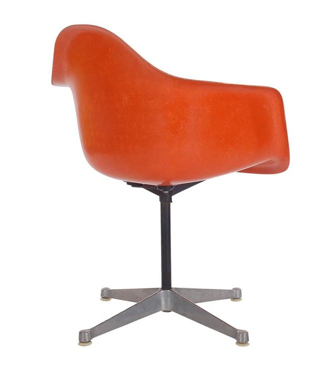Mid-Century Modern Mid-Century Charles Eames for Herman Miller Fiberglass Dining Chairs in Orange For Sale