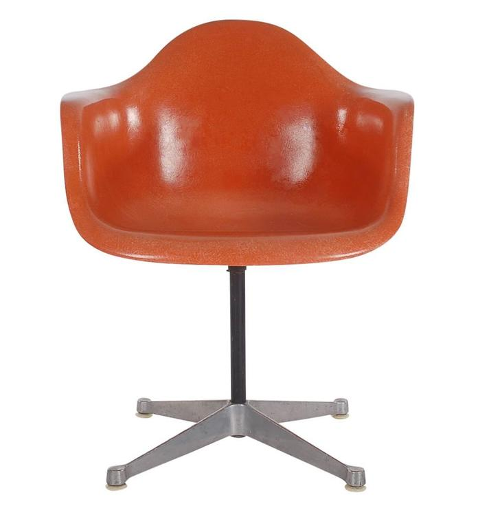 American Mid-Century Charles Eames for Herman Miller Fiberglass Dining Chairs in Orange For Sale