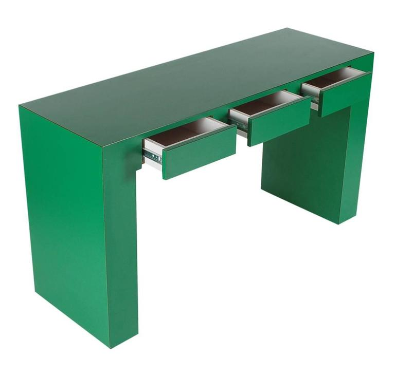 American Mid-Century Modern Emerald Green Parsons Desk Console or Sofa Table For Sale