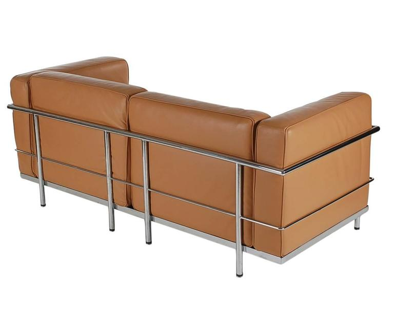 Mid-Century Modern Pair of Tan Leather Sofas in the Style LC2 Corbusier Cassina  4