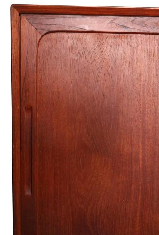 Mid-Century Modern Danish Teak Credenza Sideboard Bookcase For Sale 2