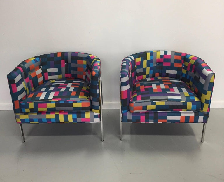 Polished Pair of Club Chairs in Chrome and Knoll Fabric For Sale