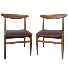 Hans J. Wegner Four-Legged Heart Chair in White Oak and Leather, Model W2