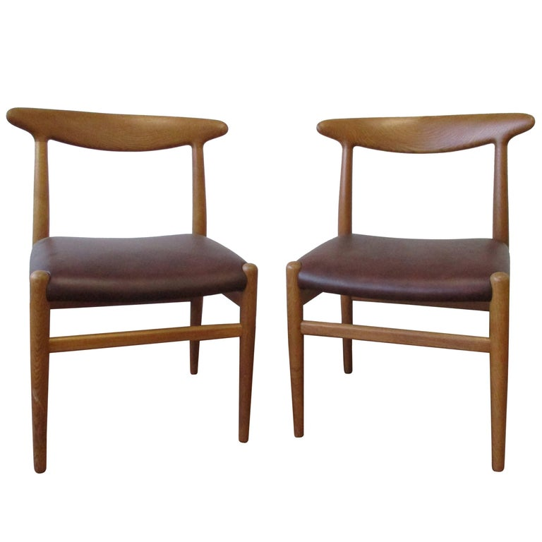 Hans J. Wegner Four-Legged Heart Chair in White Oak and Leather, Model W2 For Sale