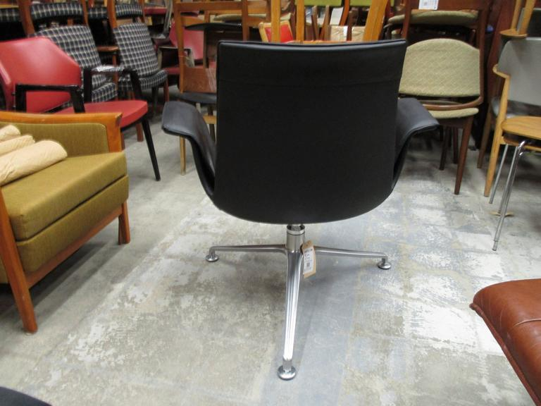 Tulip Chair Model 6727 by Preben Fabricius and Jorgen Kastholm In Excellent Condition For Sale In Ogdensburg, NY