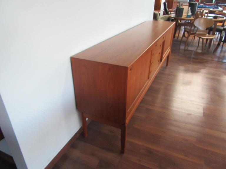 teak sideboard by hw klein for bramin for sale at 1stdibs. Black Bedroom Furniture Sets. Home Design Ideas