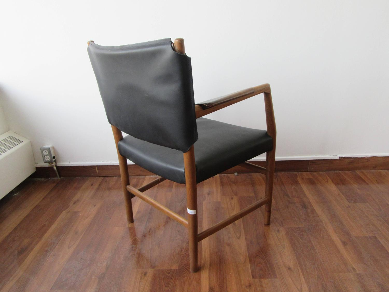 Pair of Aarhus City Hall Chairs by Hans Wegner Reupholstered in Black Leather For Sale at 1stdibs