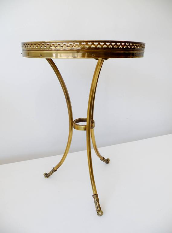 1970s Petite Mastercraft Midcentury Brass Cocktail Side Table with Gallery In Good Condition For Sale In Denver, CO