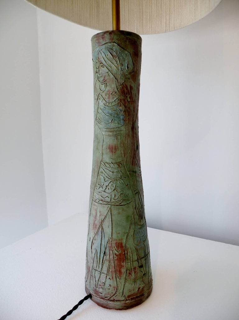 20th Century 1950s Midcentury Studio Art Pottery Table Lamp Sgraffito Figural Decoration For Sale