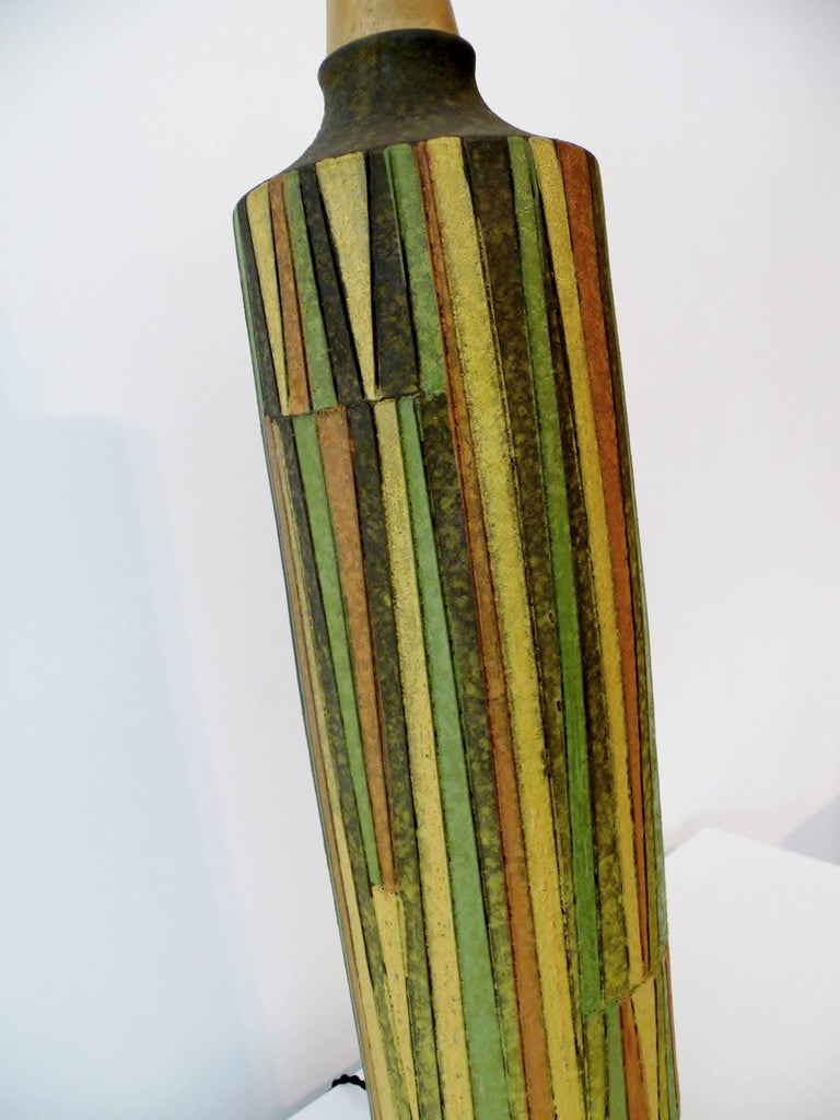 Large Aldo Londi Milano Moderno Bitossi Italian Art Pottery Table Lamp In Good Condition For Sale In Denver, CO