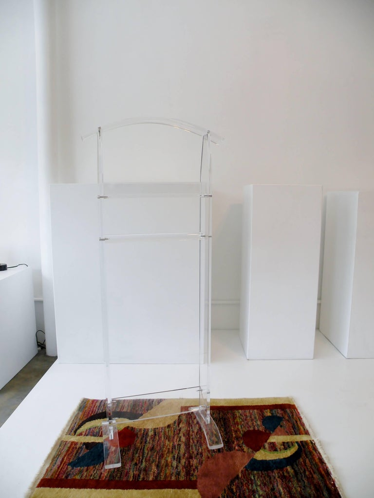 Modern 1970s Acrylic Lucite Valet Stand 7