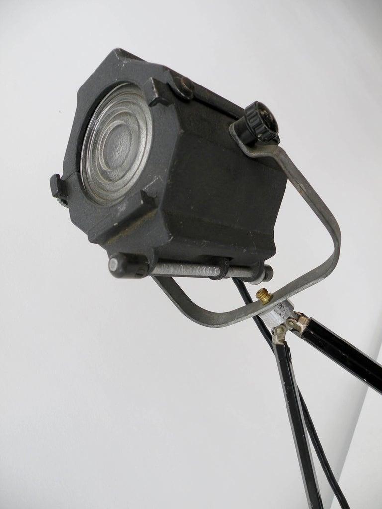 Metal Industrial Kleigl Theater Spotlight Table Lamp Streamline, Midcentury For Sale