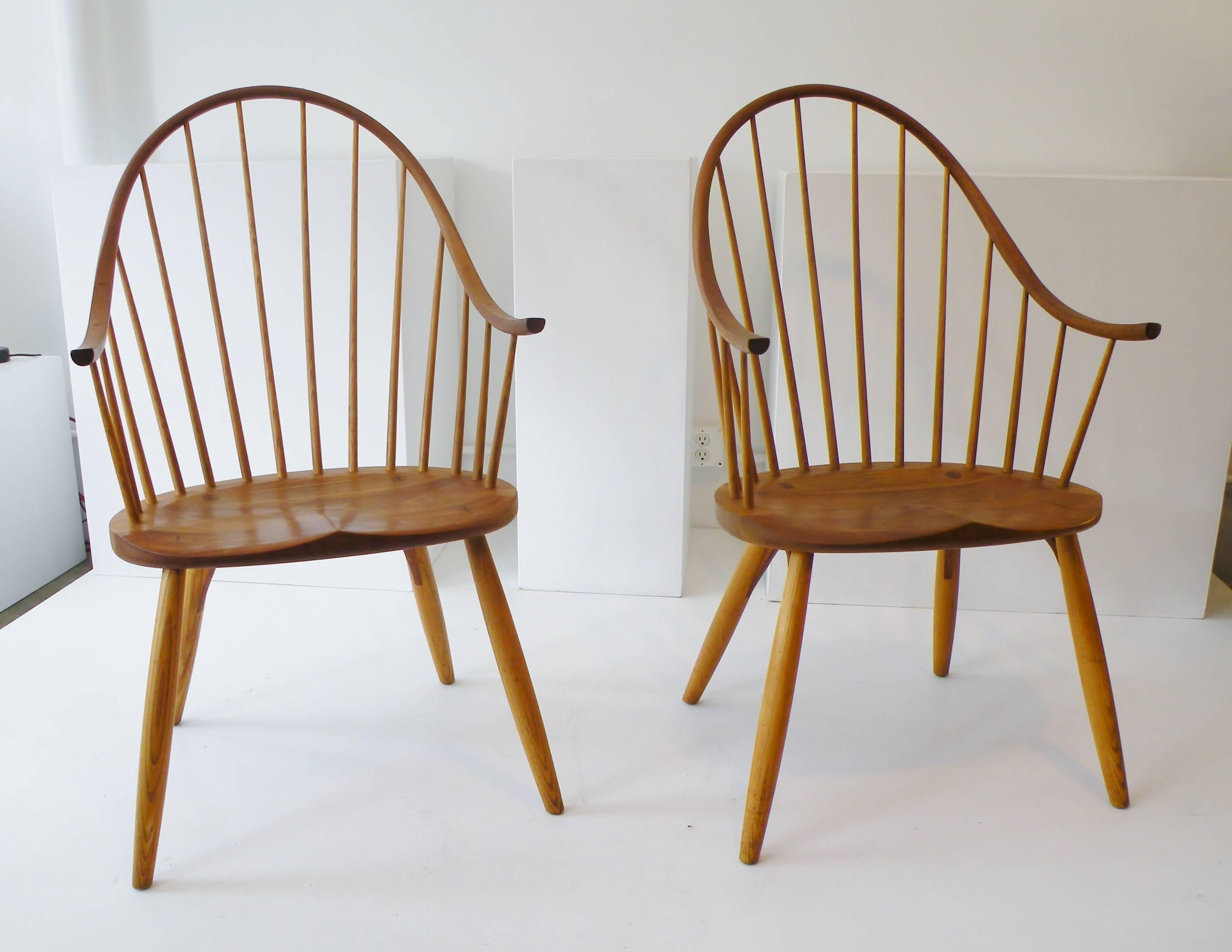 Pair Of. American Craftsman Pair Of Thomas Moser Continuous Arm Windsor  Dining Chairs ...