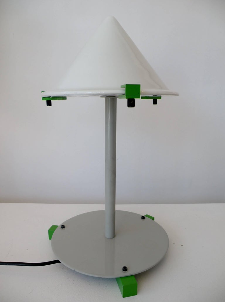 "George J. Sowden Memphis ""Electronic Age"" Table Desk Lamp In Good Condition For Sale In Denver, CO"