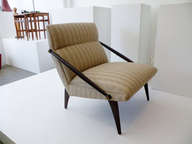 Brass 1950s Gio Ponti Style Cantilevered Lounge Chair Made by Singer & Sons For Sale