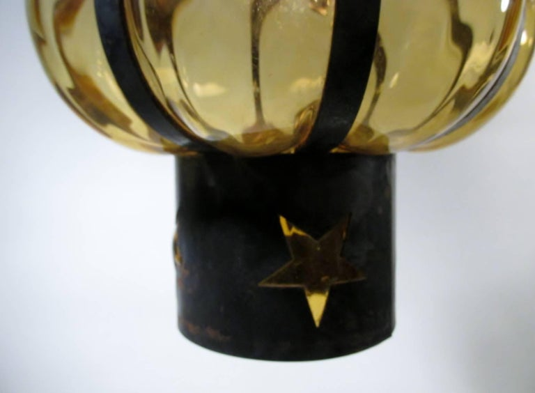 Pair of Filipe Delfinger Mexican Modernist Imprisoned Glass Pendant Lamps Feders In Good Condition For Sale In Denver, CO