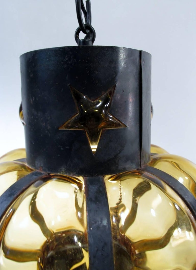 Mid-Century Modern Pair of Filipe Delfinger Mexican Modernist Imprisoned Glass Pendant Lamps Feders For Sale