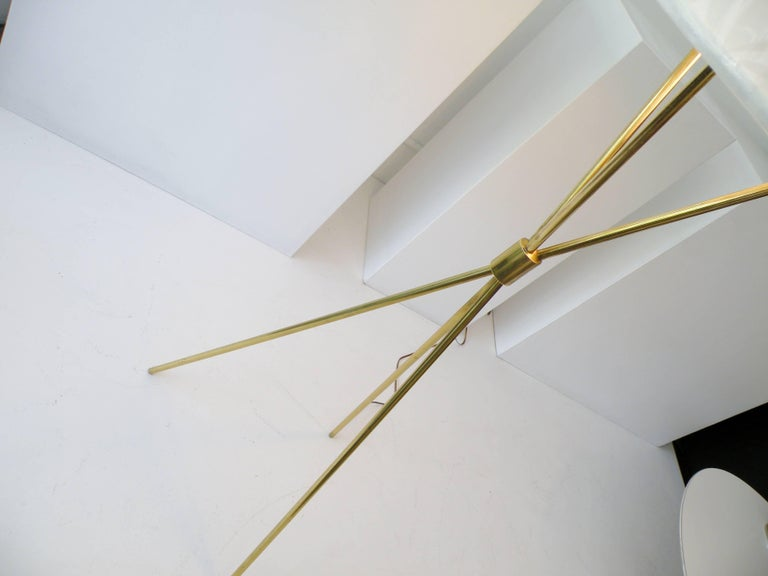 T.H. Robsjohn-Gibbings Paul Hansen NY Brass Tripod Floor Lamp In Excellent Condition For Sale In Denver, CO