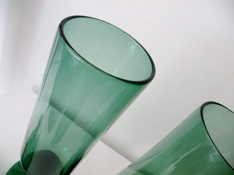 Pair of Architectural Italian Empoli Verde Art Glass Apothecary Jars For Sale 1