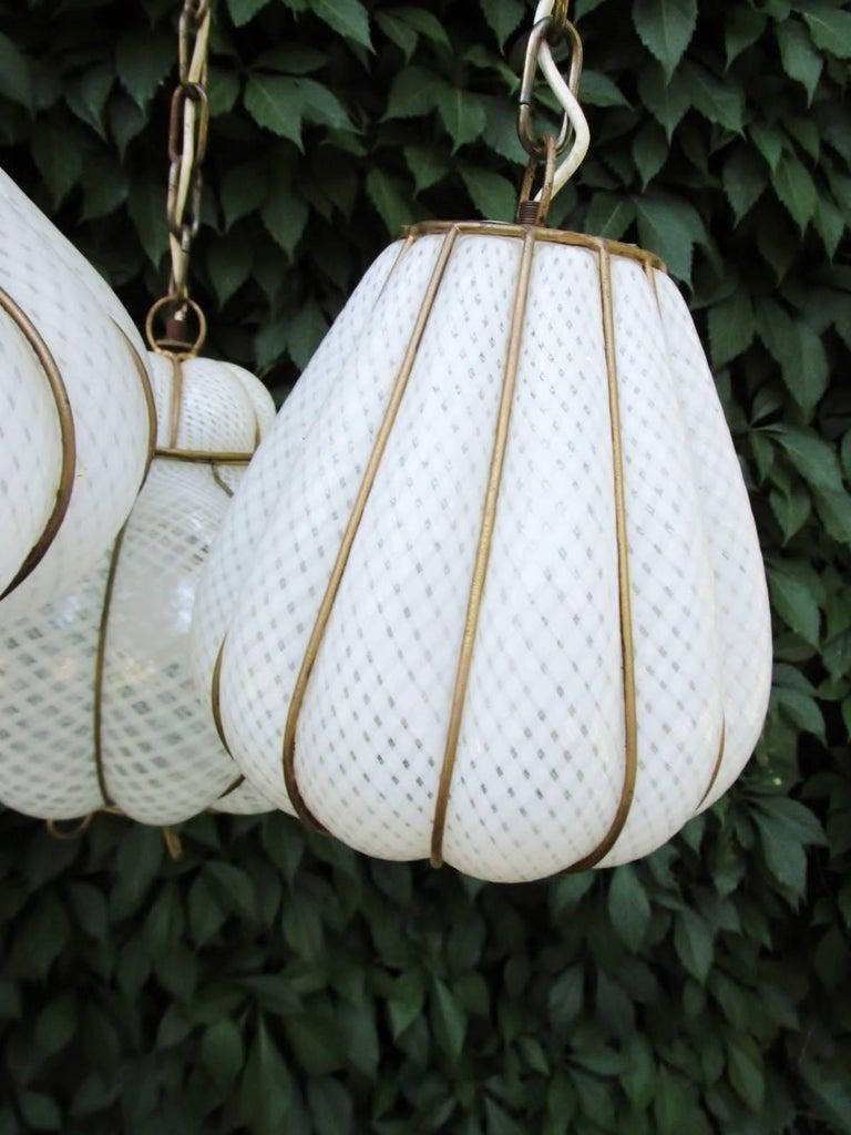 Midcentury Feldman Triple Pendant Italian Caged Latticino Glass Chandelier Lamp For Sale 2