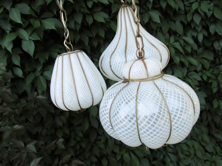 Midcentury Feldman Triple Pendant Italian Caged Latticino Glass Chandelier Lamp For Sale 4