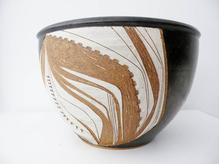 Joel Edwards Abstract California Studio Pottery Large Bowl or Planter For Sale 1