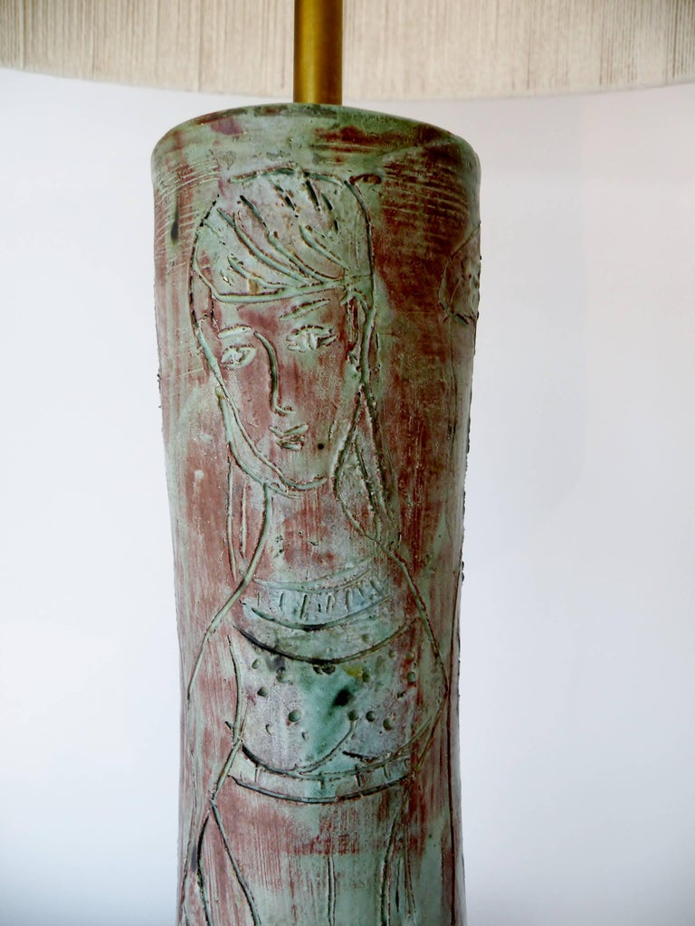 1950s Midcentury Studio Art Pottery Table Lamp Sgraffito Figural Decoration For Sale 1