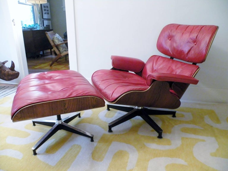 Mid-Century Modern 1960s Charles & Ray Eames Custom Red 670 671 Lounge Chair Ottoman Herman Miller For Sale