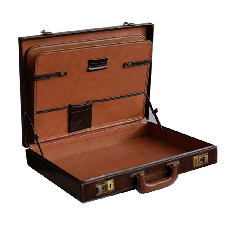Midcentury Hand-Stitched Leather and Brass Briefcase, circa 1970 In Excellent Condition For Sale In San Francisco, CA
