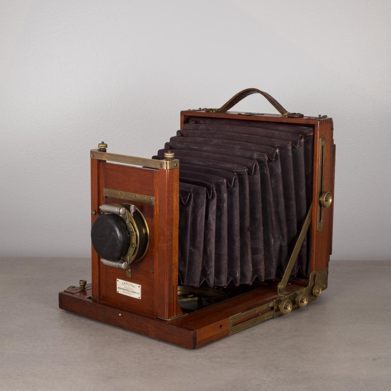 Antique Mahogany and Large Brass Folding Camera, circa 1890s For Sale 1
