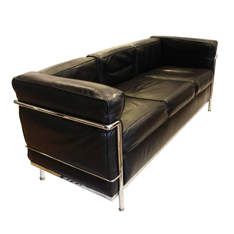 Vintage le corbusier lc2 three seat leather sofa by cassina at 1stdibs Le corbusier lc2 sofa