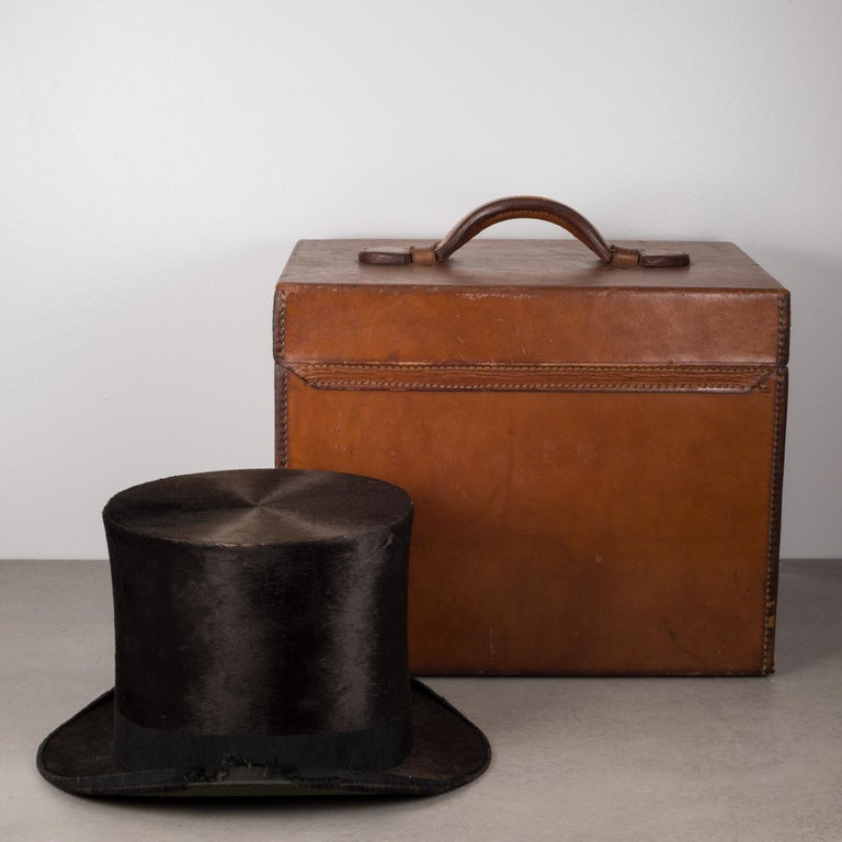 English 19th Century Beaver Skin Top and Original Leather Hat Box, circa 1800s For Sale