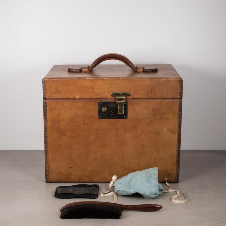 19th Century Beaver Skin Top and Original Leather Hat Box, circa 1800s For Sale 1