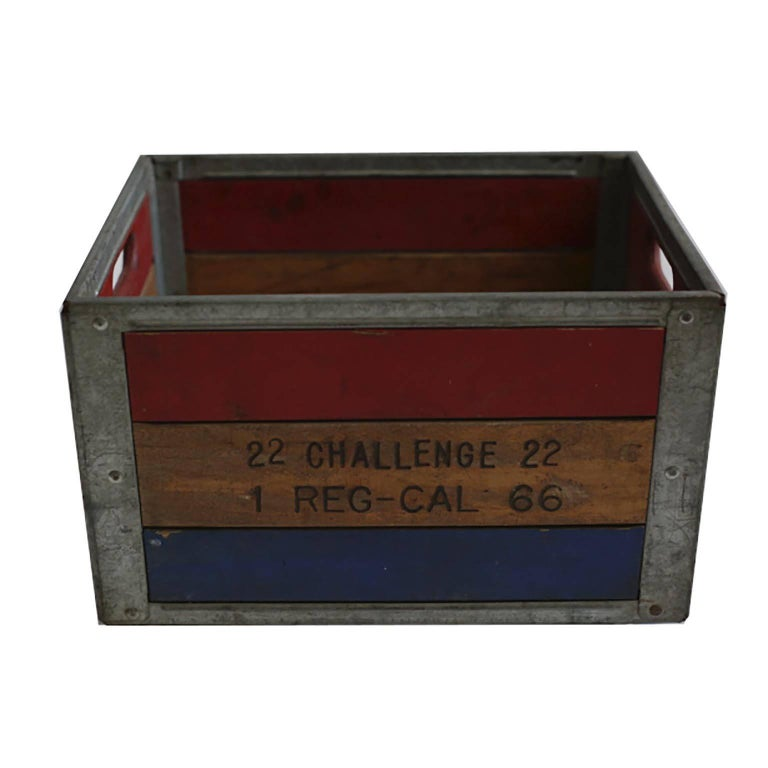 Early 20th Century Painted Wood and Steel Milk Crate, circa 1940s For Sale 1