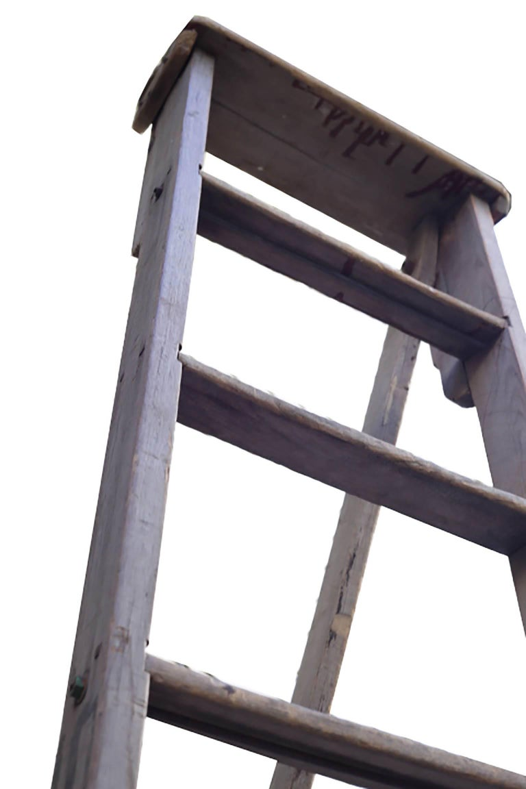 Large Wooden Apple Ladder, circa 1930-1940s In Excellent Condition For Sale In San Francisco, CA