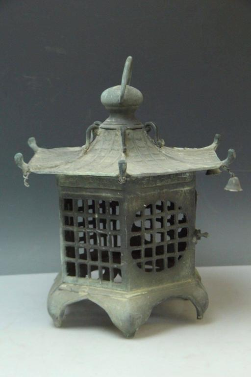 Japan Antique Bronze Lantern, Good Choice for Your Roof Top or Tea Garden 2