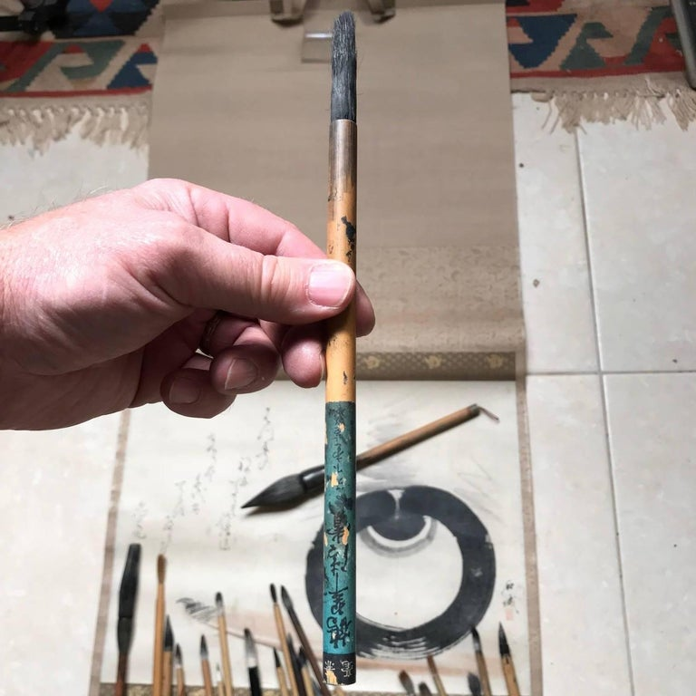 20th Century Artisan's Cache of 25 Old Chinese Paint Calligraphy Bamboo Brushes For Sale