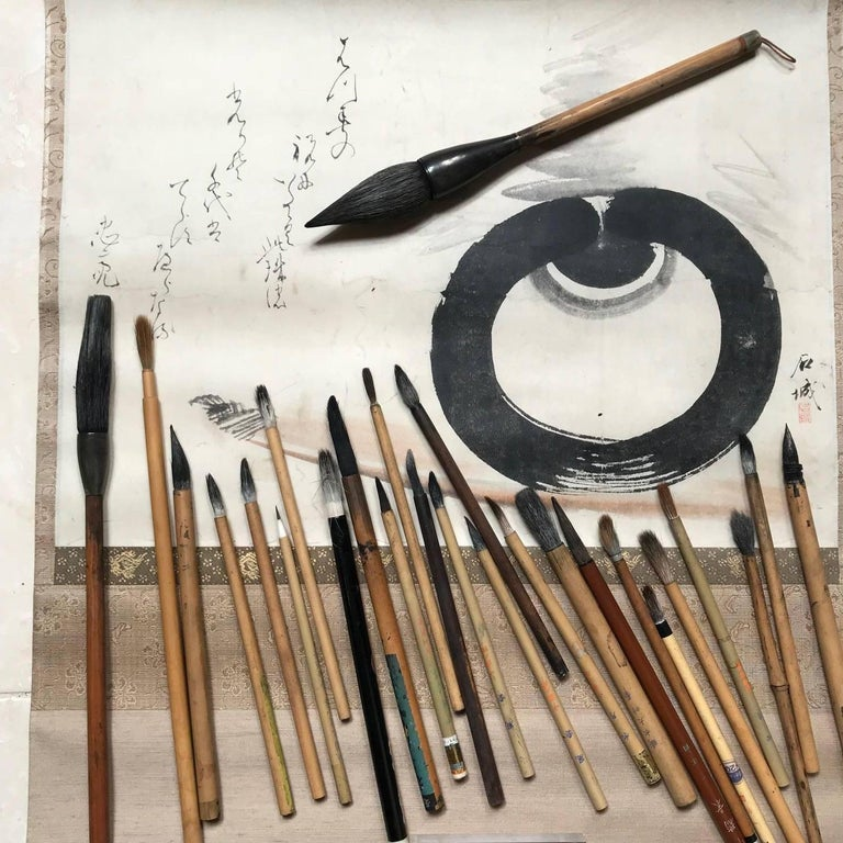Artisan's Cache of 25 Old Chinese Paint Calligraphy Bamboo Brushes For Sale 3