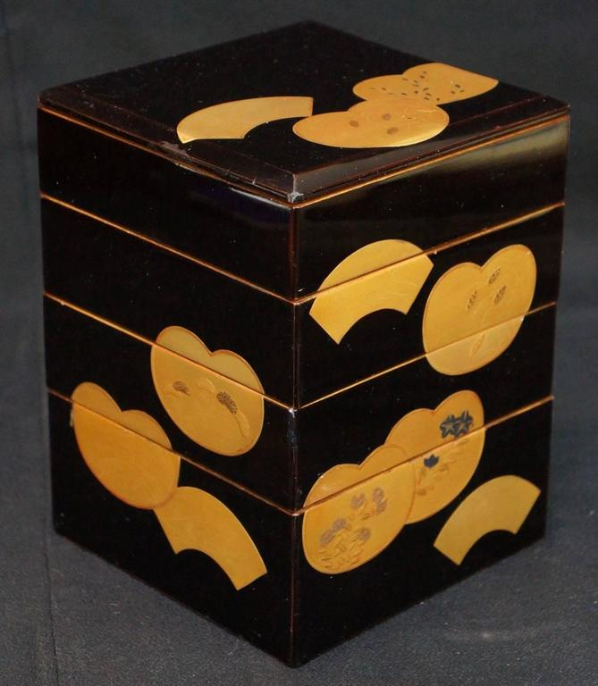 Japanese Fine Antique Hand Lacquered Complete Bento Food Box, Early 20th Century 7