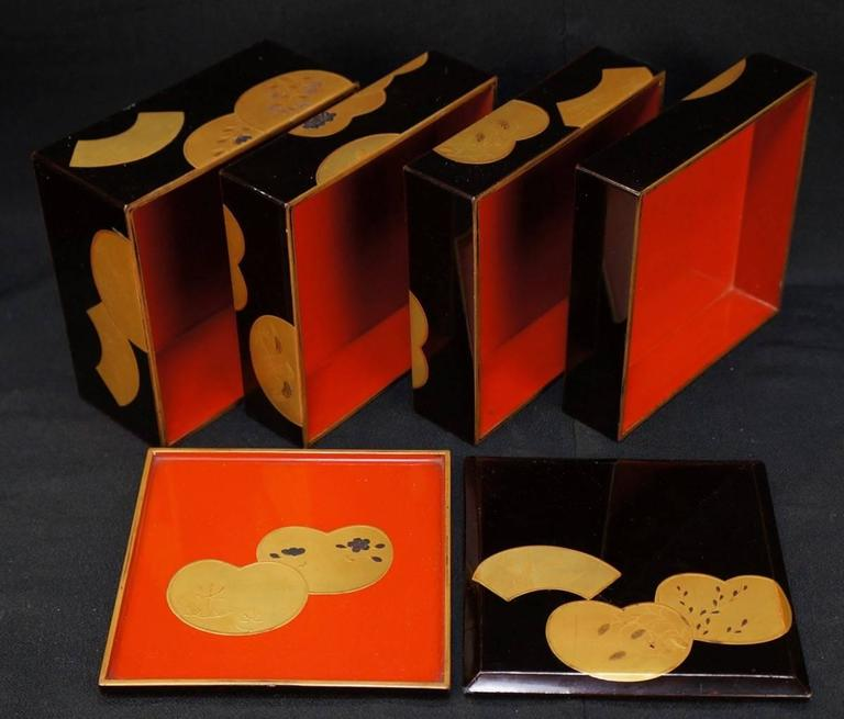 Japanese Fine Antique Hand Lacquered Complete Bento Food Box, Early 20th Century 6