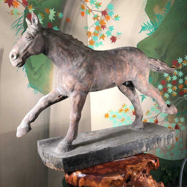 Japanese Big Antique Galloping Horse Hand-Carved & polychrome, fine details In Good Condition For Sale In Shelburne, VT