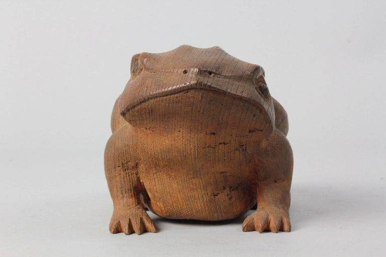 Japan Fine Antique Frog Toad Critter Hand-Carved Keyaki Wood, Early 20th Century In Good Condition For Sale In Shelburne, VT